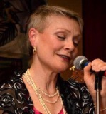 Molly singing jazz